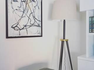 B.A. APARTMENT - INTERIOR DESIGN: Salas de estar modernas por KUBATA ATELIER