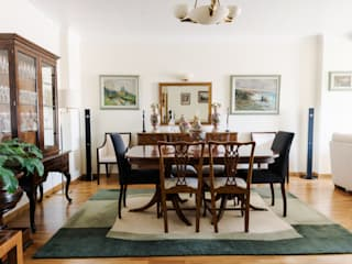 D.S. APARTMENT: Salas de jantar clássicas por KUBATA ATELIER