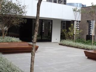 Cobertura Edifícios comerciais modernos por Edu Leal Paisagismo Moderno