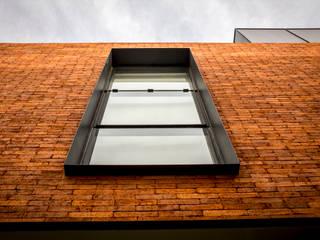 Modern Houses by deFORMA estudio creativo Modern