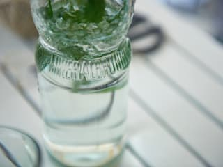 SAMESAME upcycled glass products: modern tarz , Modern