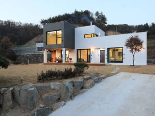 Casas de estilo  por 공감로하 건축사사무소, Moderno