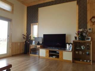 이동식 목조 주택 (모듈러 하우스) : 우영에코홈의  거실