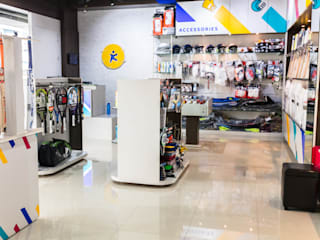 KHEL KART SPORTS STORE Modern gym by KEYSTONE DESIGN STUDIOS Modern