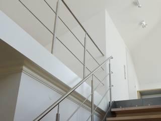Privathaus Wiesbaden, Dachgeschoss Moderner Flur, Diele & Treppenhaus von ketterer innenarchitektur Modern