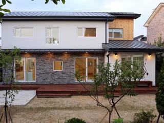 전주 락앤락 하우스: 위빌종합건설의  주택