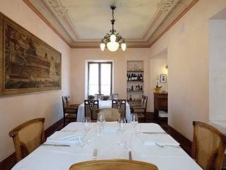 """ristorante caffetteria """"Le Jardin Fleuri - Gusti Liberty"""" - 2017 Negozi & Locali commerciali in stile classico di architetto Davide Fornero Classico"""