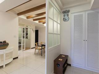 classcial elegance 經典風格的走廊,走廊和樓梯 根據 弘悅國際室內裝修有限公司 古典風