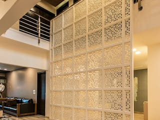 Pores 34 Modern corridor, hallway & stairs by Studio An-V-Thot Architects Pvt. Ltd. Modern
