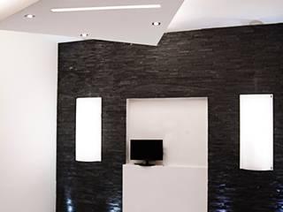 Salas / recibidores de estilo  por Luca Alitini, Minimalista