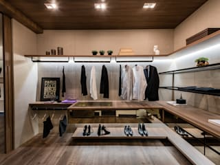 Modern dressing room by juliano burali arquitetura Modern Wood Wood effect