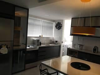 cozinha Cozinhas modernas por Giovanna Brigatti arquitetura + design Moderno