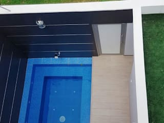 Modern pool by CONSTRUCTOR INDEPENDIENTE Modern