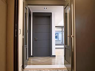 Corridor & hallway by 주식회사 큰깃