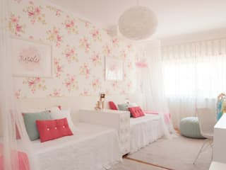 من This Little Room