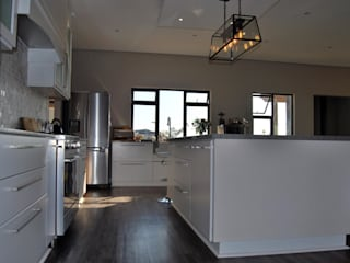 Project : The Howards Capital Kitchens cc Kitchen MDF White