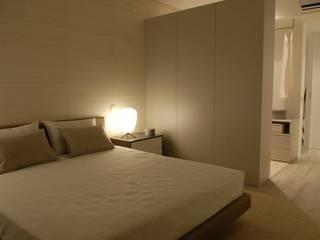 Suite: Quartos  por atmospheras | atelier de interiores