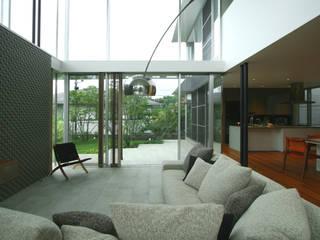 Living room by 田辺計画工房