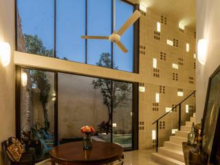 Dining room by Taller Estilo Arquitectura