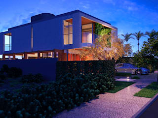Casas modernas de ARC+ Arquitetura Moderno Concreto