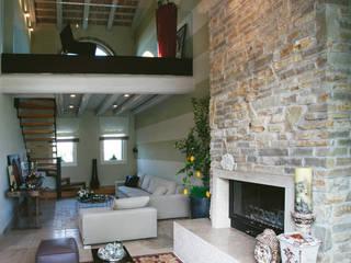 Daniele Franzoni Interior Designer - Architetto d'Interni Living room Sandstone Beige