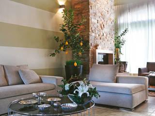 Daniele Franzoni Interior Designer - Architetto d'Interni Living room Marble Beige