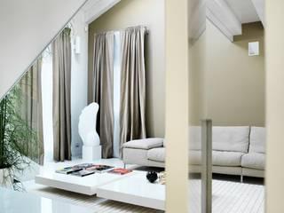 Daniele Franzoni Interior Designer - Architetto d'Interni Modern Living Room Marble Beige