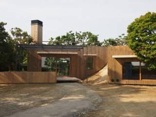 kusatu weekend house 日本家屋・アジアの家 の 高田和政建築設計室 和風