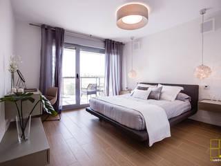 Dormitorio principal:  de estilo  de Quadratura