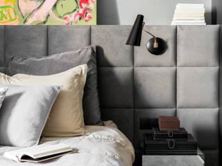 Our photoshoot of apartment design by MOJO Architekci (Warsaw): styl , w kategorii Sypialnia zaprojektowany przez Ayuko Studio