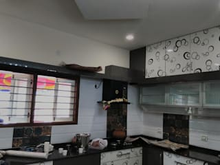 Moodabidri Home nterior :  Kitchen by Chavadi Interiors