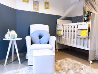 Dormitório Enzo: Quarto infantil  por MODI Arquitetura & Interiores
