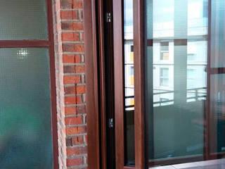 Cambio de ventanas en un piso en Getxo Puertas y ventanas de estilo moderno de Soluvent Window Solutions Moderno