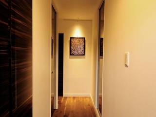 Room_08: TBJインテリアデザイン建築事務所が手掛けた廊下 & 玄関です。,モダン