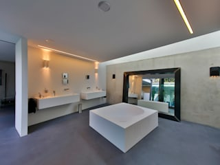 Bathroom by studio architecture, Modern