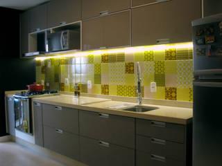 Apartamento 70's Cozinhas modernas por Collevatti Arquitetura Moderno