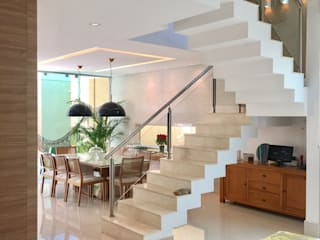 Comedores de estilo moderno de Collevatti Arquitetura Moderno