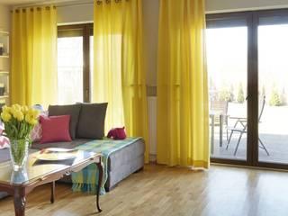 Sonnenfarbe Gelb von Dekoria GmbH Klassisch