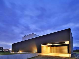 五藤久佳デザインオフィス有限会社 Casas de estilo ecléctico