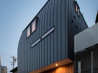 Rumah oleh 五藤久佳デザインオフィス有限会社