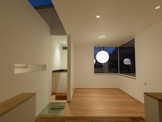 H2O設計室 ( H2O Architectural design office ) Salones modernos Madera Blanco
