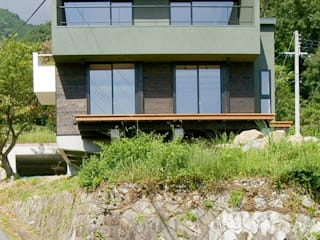 一級建築士事務所アールタイプ Casas de estilo moderno Verde