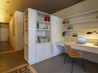 Reformas Barcelona Rubio Ruang Studi/Kantor Modern White