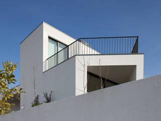 Minimalist house by Pedro Henrique | Arquiteto Minimalist