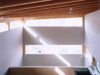 横浜S台の家 The house in S dai, Yokohama モダンデザインの ダイニング の 栗原正明建築設計室 モダン