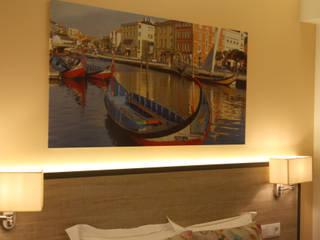 """Iluminação LED """"Hostel Cidade de Aveiro"""" - Lux Concept: Hotéis  por Lux Concept - Iluminação LED"""