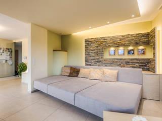 grere einheit mit moderner gemtlicher atmosphre moderne wohnzimmer von horst steiner innenarchitektur - Modernes Wohnzimmer Des Innenarchitekturlebensraums
