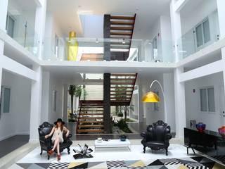 """Hotel """"es design"""" FInterior: Casas de estilo moderno por Struo arquitectura"""