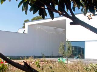 pinos juan marco arquitectos Casas de estilo mediterráneo