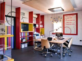 Uffici LaBase Complesso d'uffici moderni di Arkinprogress Moderno